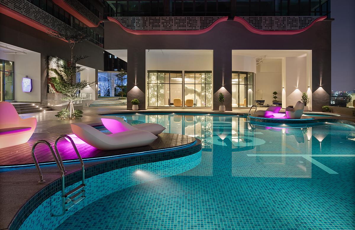 Arte+ Organic Shaped Pool