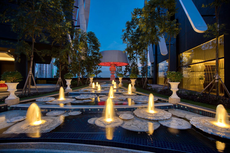 Arte Mont Kiara Cascading Fountain